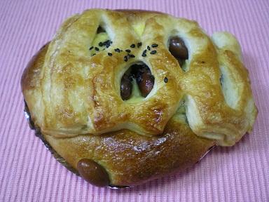 金時豆のクリームパン2