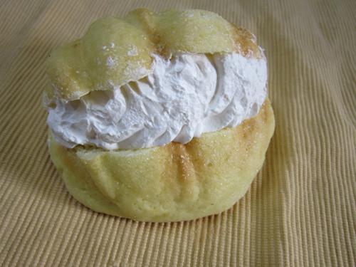 メロンパン in ホイップクリーム